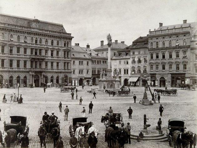 Část náměstí Svobody směrem k České ulici z 90. let 19. století.