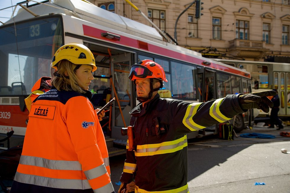 Prvního dubna 2019 se v Křenové ulici v Brně srazil trolejbus s tramvají. Při střetu se zranilo čtyřicet lidí.