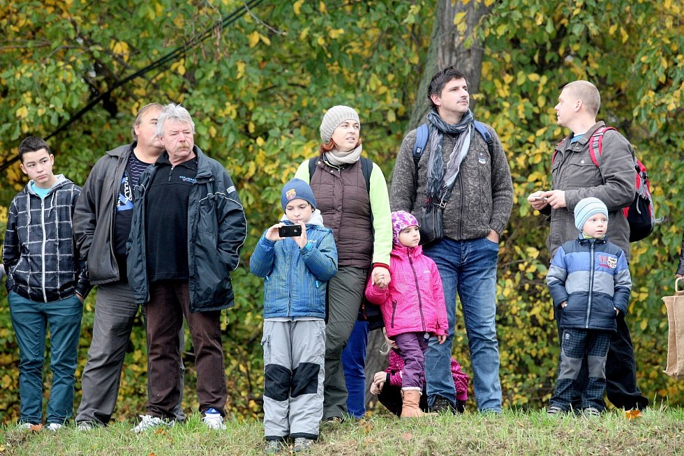 Výlov vrkočského rybníka u obce Iváň.