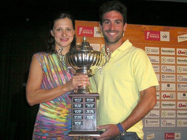 Silvie Rybářová (na snímku vlevo) po loňském druhém místu tentokrát vArgentině triumfovala.