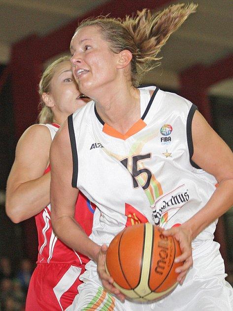 Basketbalistka Eva Vítečková.