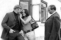 Jeden z nejproslulejších filmů 60. let Žert se opírá o stejnojmenný román Milana Kundery. Režisér Jaromil Jireš postihl kruté poměry na začátku 50. let i uvolňující se atmosféru o patnáct let později. Na snímku Josef Somr, Luděk Munzar a Věra Křesadlová.
