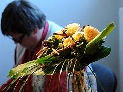 Brněnská růže se zaměřila na vánoční kytice, věnce a svícny.