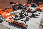 Jedenašedesát kusů různého vybavení ve středu převzali jihomoravští hasiči. Nákup přesáhl částku třiadvaceti milionů.