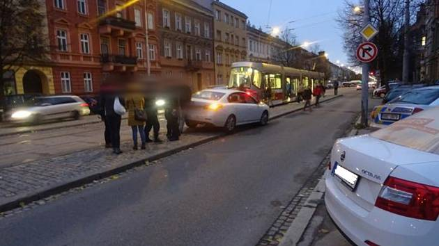 O víkendu řádili v Brně opilí řidiči. Žena za volantem měla téměř čtyři promile