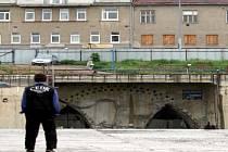 Stavba Dobrovského tunelů vázne