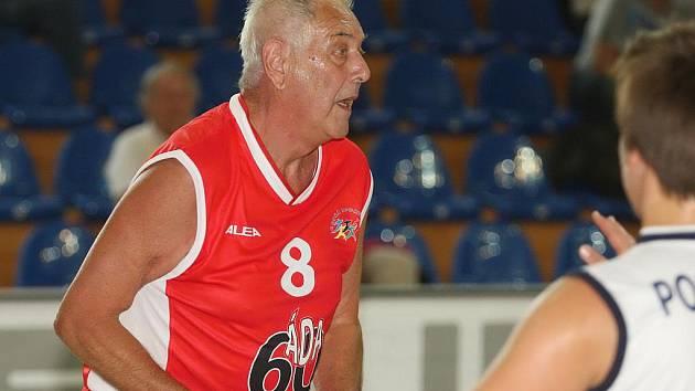 Legendární basketbalista František Konvička.