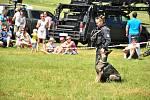 Umí hledat zmizelé lidi v sutinách i v lesích, zneškodní útočníka. Psí záchranáře obdivovali lidé v brněnských Medlánkách na dni s Kynologickou záchrannou jednotkou. Akci provázel doprovodný program i policejní ukázky.