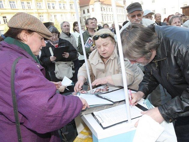 Demonstrace proti vládě v centru Brna.
