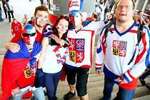 Dohromady 5846 diváků zavítalo na čtvrteční úvodní duel Euro Hockey Tour v Brně mezi Českou republikou a Finskem.