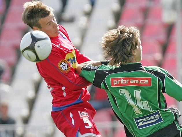 Fotbalisté 1. FC Brno (v červeném Lukáš Mareček) mají v příští sezoně co napravovat.