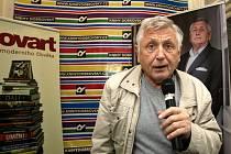 Filmový režisér Jiří Menzel představil a podepisoval v Brně svou novou knihu.