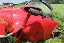Poblíž letiště v brněnských Medlánkách se zřítil malý vrtulník.