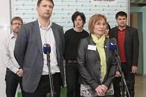 Novou předsedkyni Strany Zelených se stala starostka brněnské městské části Nový Lískovec Jana Drápalová. Petr Štěpánek se stal prvním místopředsedou.