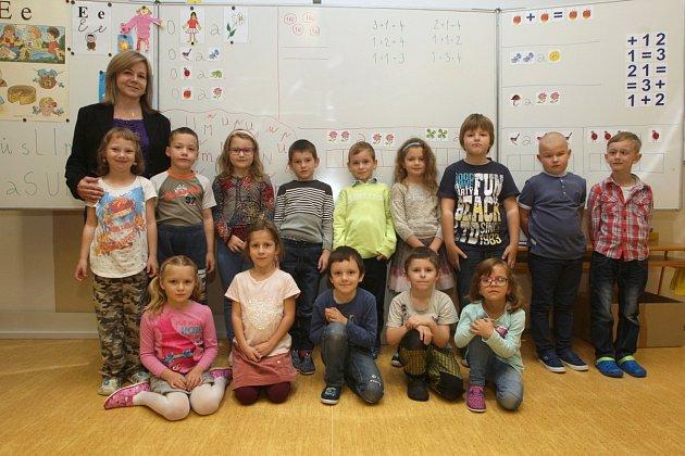 Žáci 1.B ze ZŠ T. G. Masaryka vulici Na Brněnce Ivančicích střídní učitelkou Andreou Rosendorfovou.