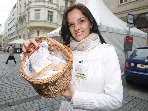 Přispět na dobrou věc mohli ve středu Brňané koupí charitativního koláče za pětatřicet korun.