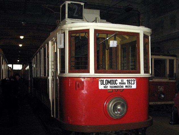 Historická tramvaj v depozitáři Technického muzea v Brně. Ilustrační foto.