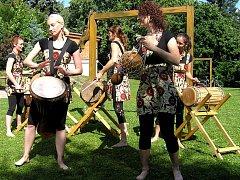 Koncert kapely Spálený sušenky v Domově pro osoby se zdravotním postižením Nojmánek .