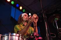 Centrum Brna ve středu roztančili zvuky bicích nástrojů. Na festivalu Léto na Staré radnici rytmus udávali nejlepší bubeníci působící v celé republice.
