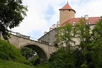 Most hradu Veveří čeká oprava.