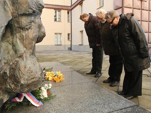 71. výročí zahájení nacistické okupace si připomněli pamětníci v Kaunicových kolejích.