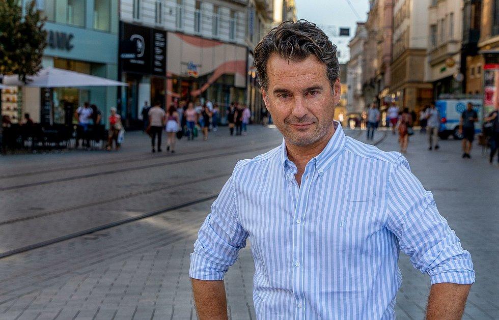 Díl reality show Wie is de Mol, který se natáčel v brněnském hotelu Anybody, překonal hranici tři miliony diváků.