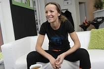 Brněnská volejbalistka Tereza Tobiášová v žákovských kategoriích závodně plavala, zářila na extraligových palubovkách ve Frenštátu pod Radhoštěm i v Králově Poli, v beachvolejbalové reprezentaci si došla pro řadu úspěchů.