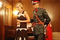 Návštěvníci řešili záhadu vraždy. Při Hradozámecké noci ve vile Stiassni. Další si užili koncert v zahradě. Vystoupila sopranistka Karolína Žmolíková.