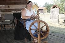 Do přírodního areálu Zlobice u Malhostovic na Brněnsku zavítalo v sobotu přes pět set lidí. Důvodem jejich návštěvy byly tradiční Ovčácké slavnosti s celostátní výstavou plemen ovcí a koz.