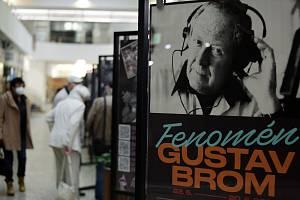 Gustav Brom by 22. května oslavil 100. narozeniny. V rámci projektu Gustav Brom 100 se mohli lidé podívat na výstavu v Alfa pasáži a poslechnout si koncert na Staré radnici.
