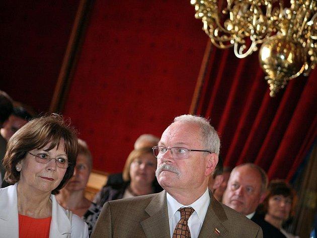 Prezident Ivan Gašparovič s manželkou si prohlédli Brno i lednický zámek. Ve Valticích poobědvali s hejtmanem a dvěma starosty.