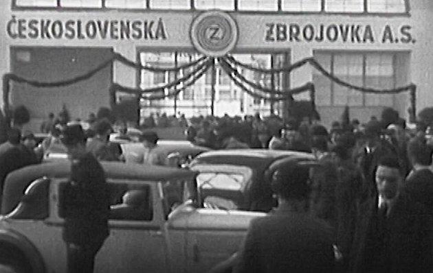 Brněnská Zbrojovka vznikla vroce 1918jako státní podnik. Ve druhé polovině minulého století ve všech jejích závodech podle pamětníků pracovalo přes deset tisíc zaměstnanců.