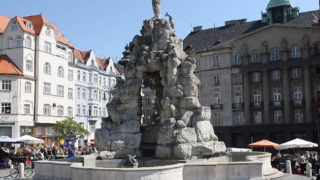 Barokní kašna Parnas na Zelném trhu v Brně na archivnéím snímku.