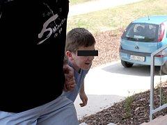 Malý Ondra se vrací z nemocnice do brněnského Klokánku