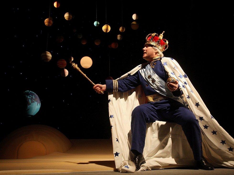 Filosofická pohádka Malý princ bude mít v neděli premiéru v brněnském divadle Radost.