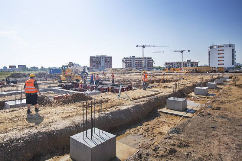 Výstavba bytových domů. Ilustrační foto.