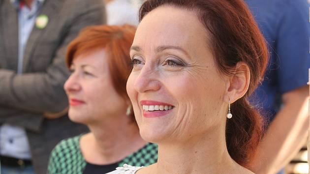 Dosavadní jundrovská starostka Ivana Fajnorová získala se Zelenou pro náš Jundrov téměř padesát procent hlasů a osm zastupitelů.