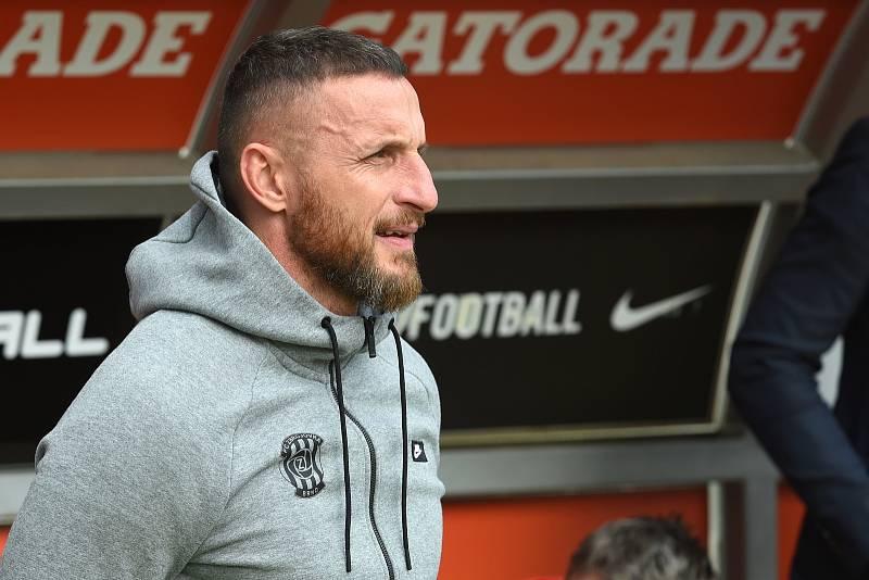 Brno 7.5.2019 - 27.kolo FNL mezi domácí FC Zbrojovkou Brno (červená) a FC Hradcem Králové (černá)