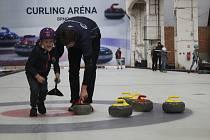 V sobotu se Brňanům otevřela curlingová hala v areálu Nové Zbrojovky.