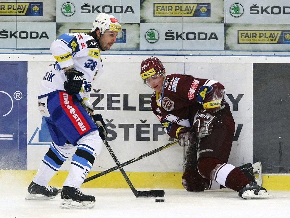 Hokejisté Komety si poradili s pražskou Spartou a připsali si tři body.