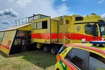 V oblastech postižených tornádem pomáhají lidem mobilní zdravotnické týmy.
