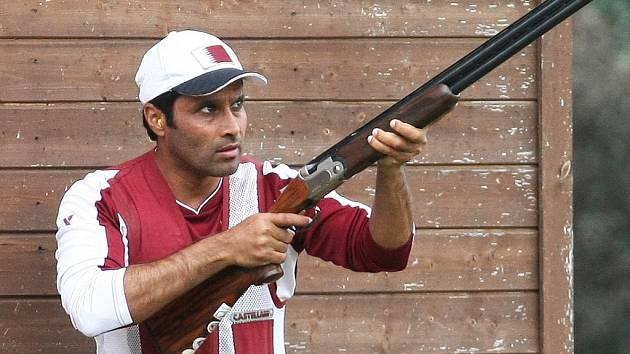 Střelec Násir Al Attíja.