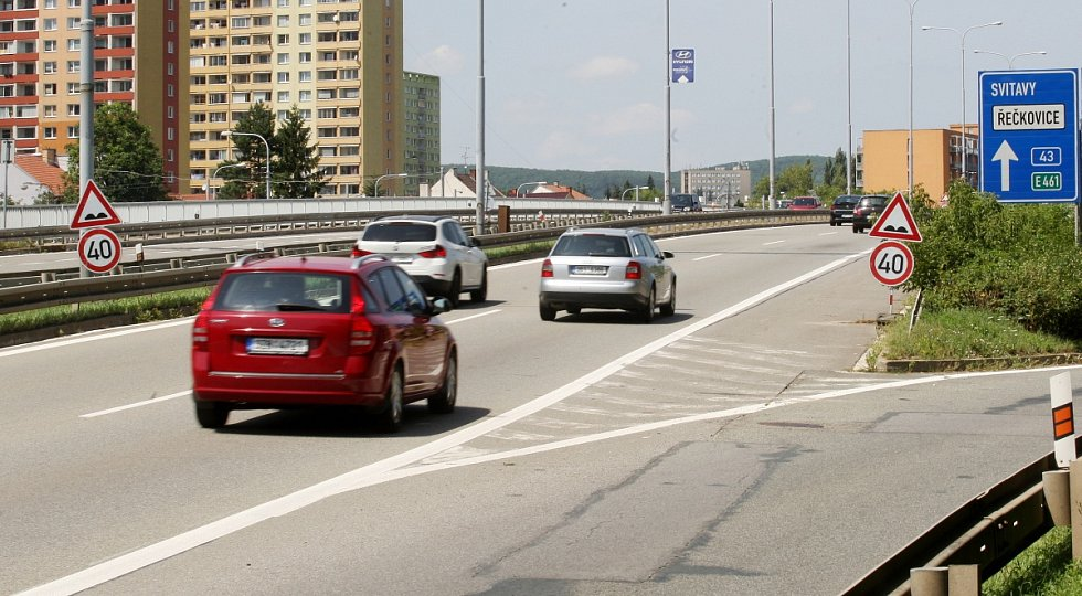 Dopravní omezení v brněnské Sportovní ulici.