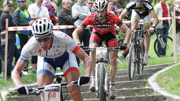 Popáté se historickém centrem Brna projeli cyklisté na horských kolech při Pell´s MTB kriteriu.
