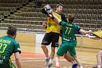 Královopolští házenkáři (ve žlutém) zvítězili v brněnském derby nad Maloměřicemi i potřetí.