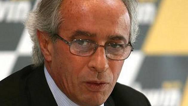 Prezident Mezinárodní motocyklové federace Vito Ippolito.