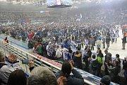 Kometa vyhrála středeční finálovou bitvu 5:2 a sérii ovládla 4:0 na zápasy. V Brně propukly oslavy titulu,
