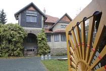 Při návrhu své vily se Jurkovič inspiroval vídeňskou secesí, anglickým modernismem a lidovostí.