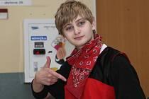 Čtrnáctiletý Martin Slávik přišel při nehodě o nohu. Přesto tančí.