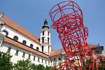 Instalace sochy T.G.Masaryka na Moravském náměstí v Brně.